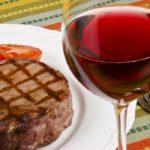 肉料理とのマリアージュを求めて厳選!肉に合うワインおすすめ8選